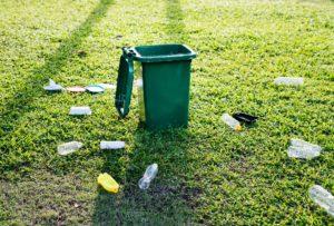 в чем выбрасывать мусор